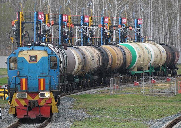 阿塞拜疆取消喷气发动机燃料进口关税