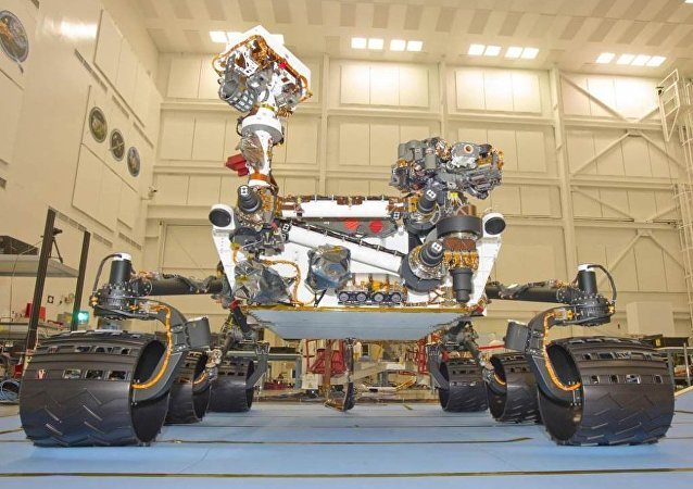 """""""好奇""""号火星探测车开始研究火星沙丘土样"""