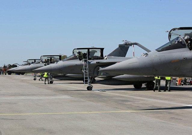 印度與法國簽署「陣風」殲擊機合同