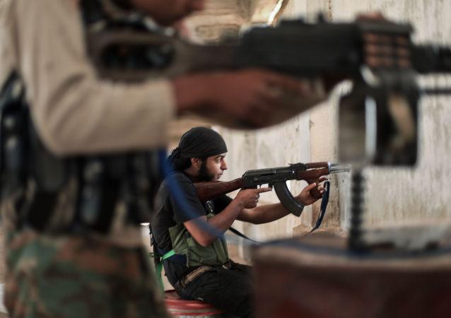 武裝分子向阿勒頗的遊行示威者開槍
