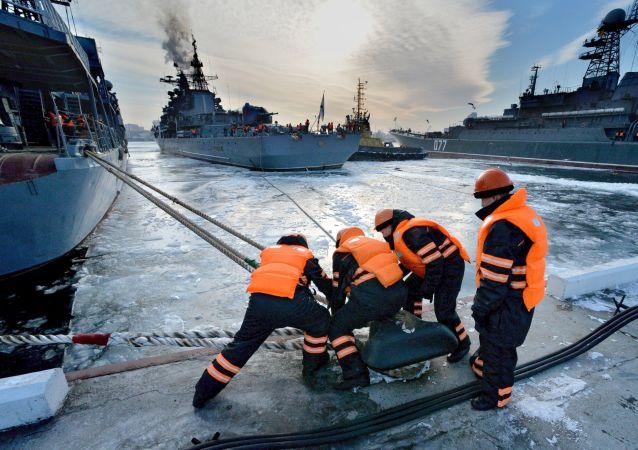 """首个""""钻石""""海关站将设立在符拉迪沃斯托克自由港"""