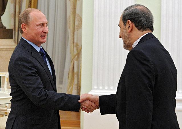 普京與伊朗最高領袖顧問(圖片資料)