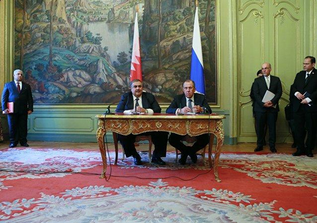 俄羅斯外長拉夫羅夫和巴林外長哈立德·阿勒哈利法