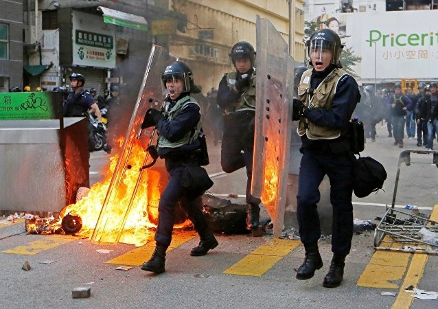 媒体:37名旺角骚乱事件嫌疑人将于4月7日再次受审