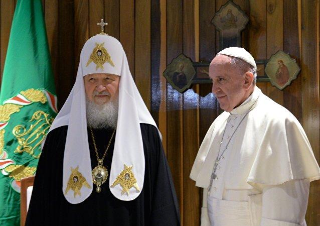 全俄大牧首與羅馬教宗會晤後稱歐洲面臨去基督教化風險