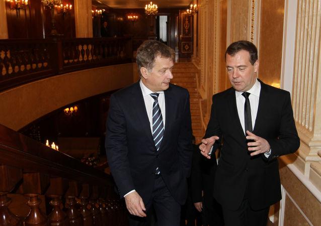 俄羅斯總理德米特里∙梅德韋傑夫與芬蘭總統紹利∙尼尼斯托舉行會晤時