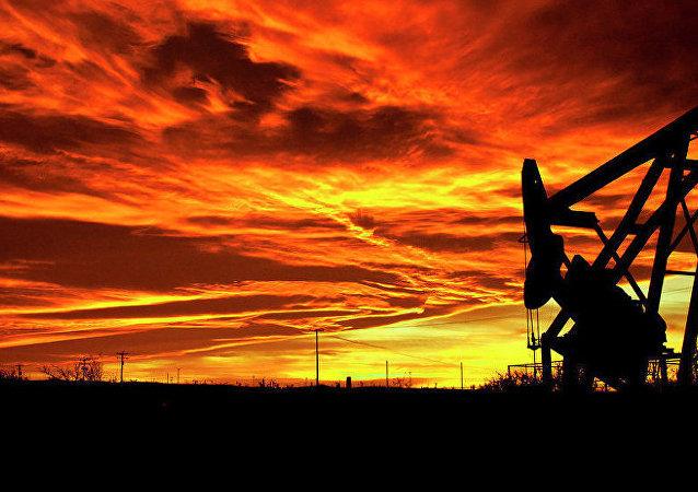 國際油價在美國和亞洲交易所負面背景下正在下跌
