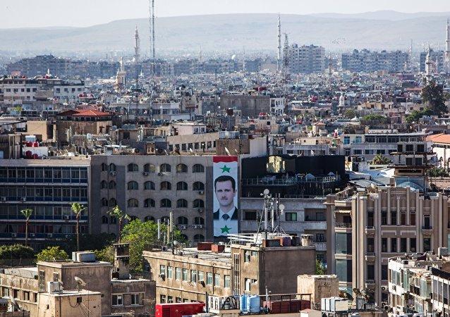 叙政府在俄调解中心协助下正将难民从鲁克班撤出