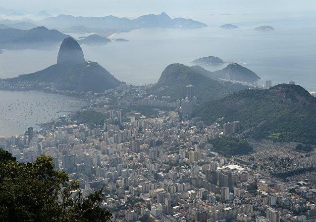 巴西3个城市发生示威活动 反对罗塞夫停职