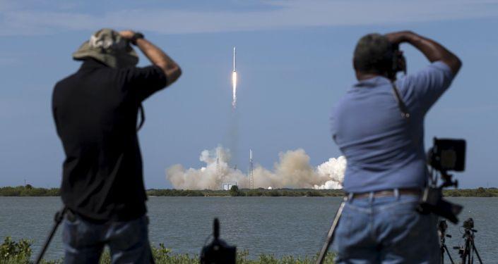 「獵鷹9號」(Falcon 9)運載火箭