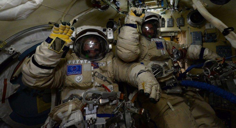 俄罗斯新航天服预计将首次用复合材料制作