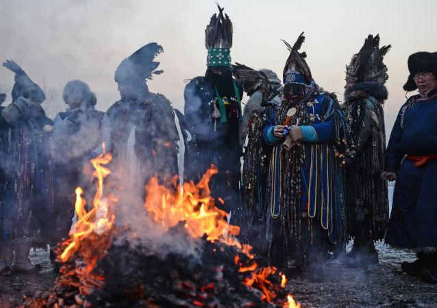 俄羅斯巫師將舉行祈雨儀式祈願西伯利亞森林遠離火災