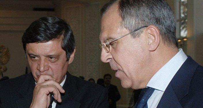 謝爾蓋·拉夫羅夫與扎米爾·卡布洛夫