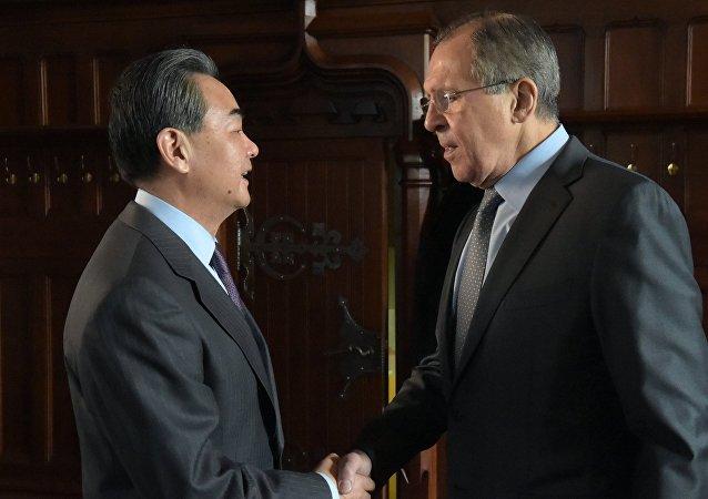俄中外長討論敘利亞和朝鮮半島局勢