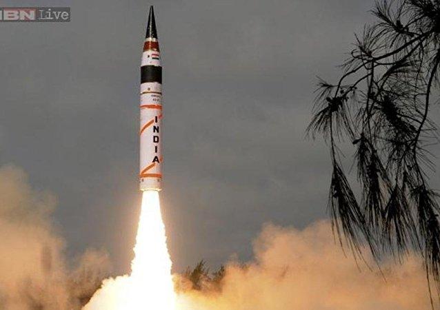 印度成功试射可携带核弹头的烈火-1弹道导弹