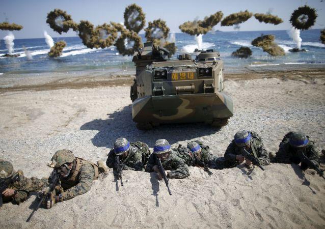 驻韩美军举行疏散演习