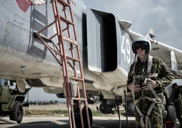 媒体:俄军人在赫梅米姆空军基地获得叙利亚奖章