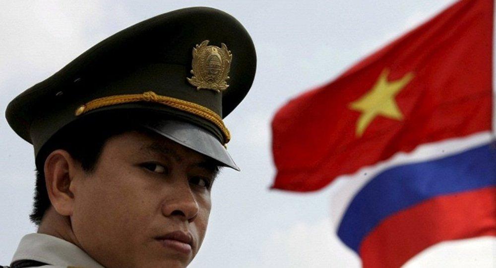 越南驻俄大使:越方不反对俄重返金兰湾军事基地
