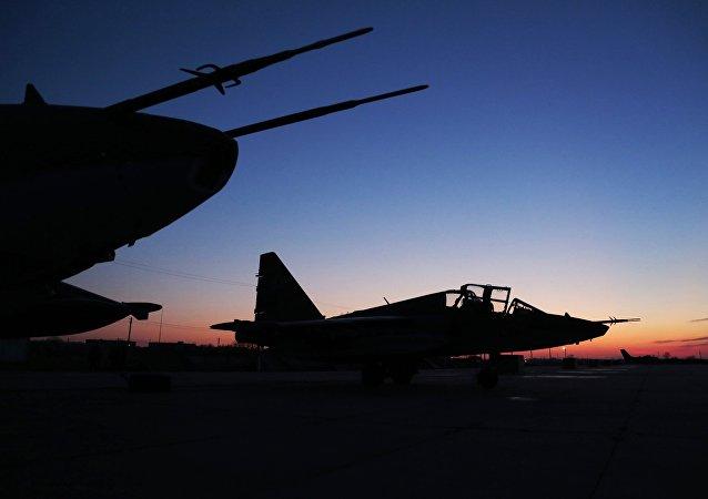 """俄罗斯国防部发布消息称,俄已经向叙利亚被击落苏-25飞行员菲利波夫追授""""俄罗斯英雄""""称号"""