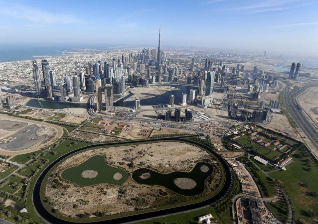 媒体:阿联酋限定卡塔尔公民14日内离境