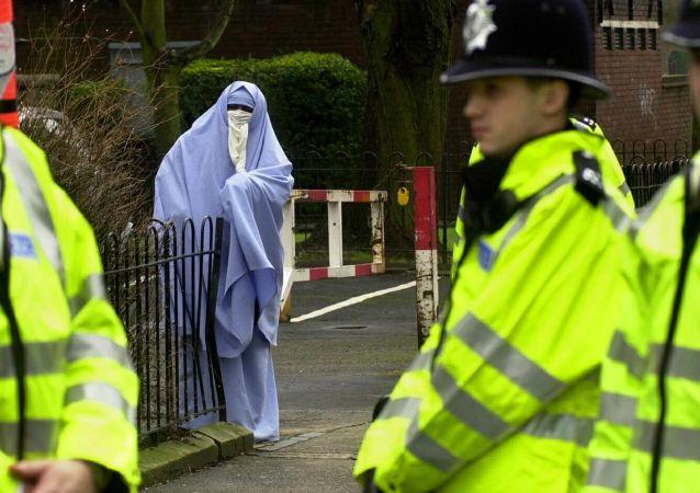 媒體:英國偵察機構發出警告,可能利用婦女與兒童實施恐怖行為