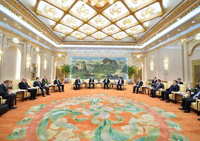 俄中两国积极就西线供气价格开展谈判