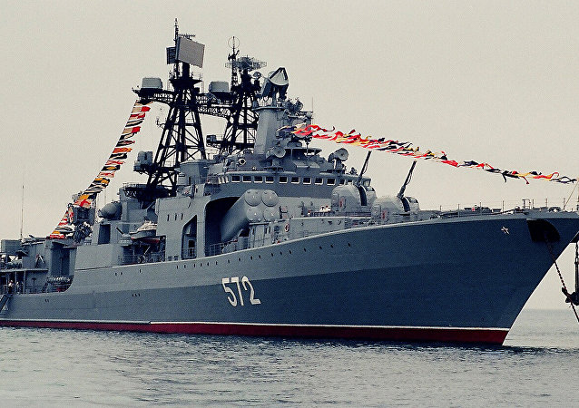 俄太平洋舰队舰艇中队从东南亚远航归来回到符拉迪沃斯托克