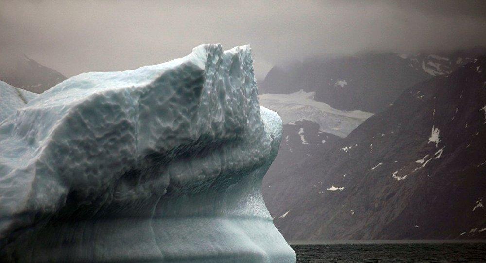 巨型冰山逼近格陵蘭島村莊 村莊恐被淹