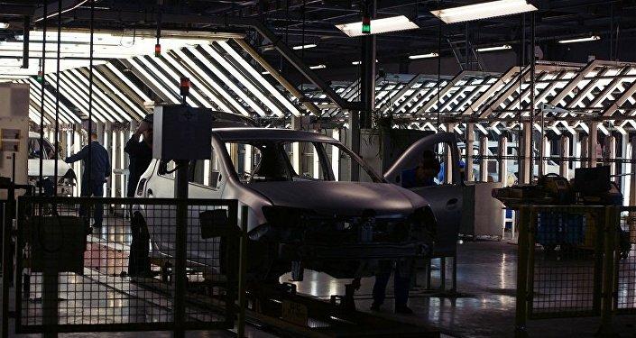 俄工貿部擬向國防部供應「車隊」項目裝甲車