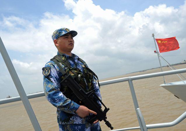 中國人民解放軍海軍代表:美國國防部部長卡特發佈聲明的目的是孤立中國