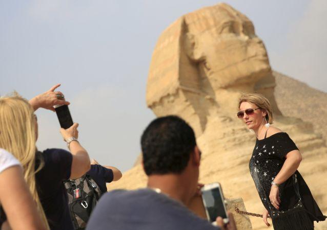 埃及允許遊客在名勝古蹟免費拍照