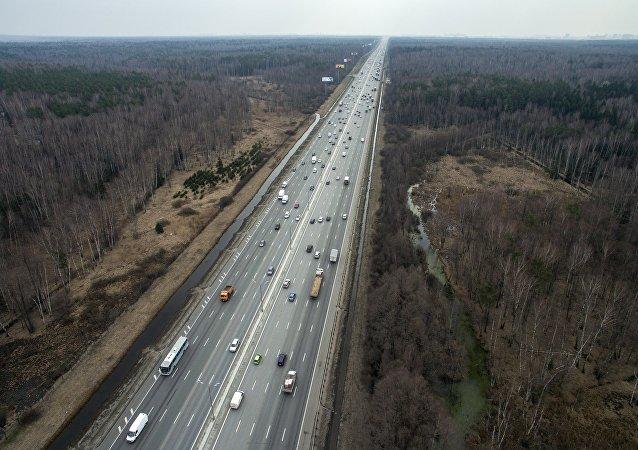专家:2025年前无人驾驶汽车将和其他交通工具同等出现在俄罗斯的道路上