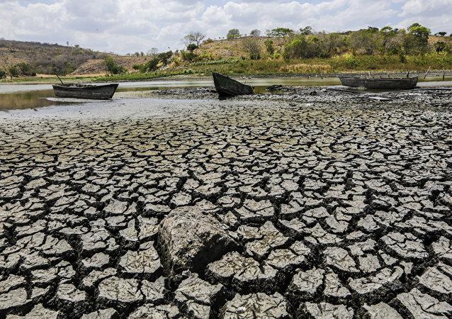 尼加拉瓜居民因大旱而不再使用洗衣机洗衣物