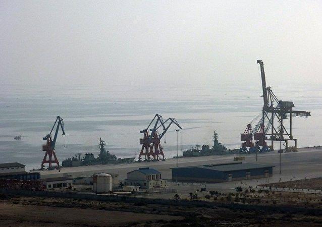 俄苏玛集团与河北港口集团就开展合作进行初步洽谈