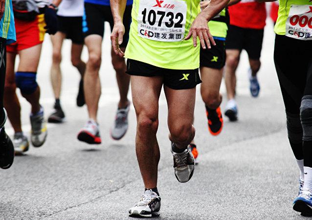 華媒:杭州推拿師跑步回家過年 27個小時跑211公里