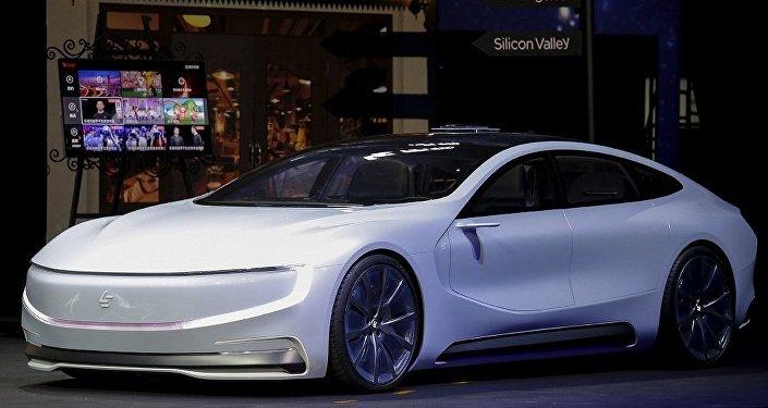 Tesla Model S 电动汽车