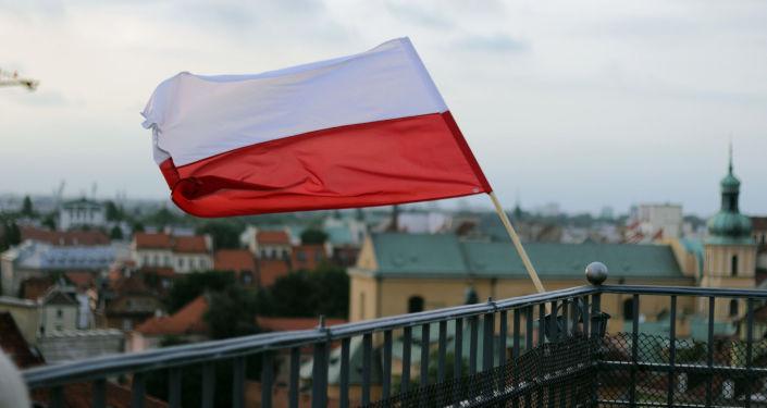 波蘭新政府宣誓就職 所有部長留任