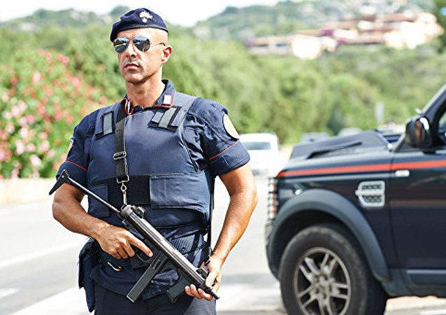意大利警察 (资料图片 )