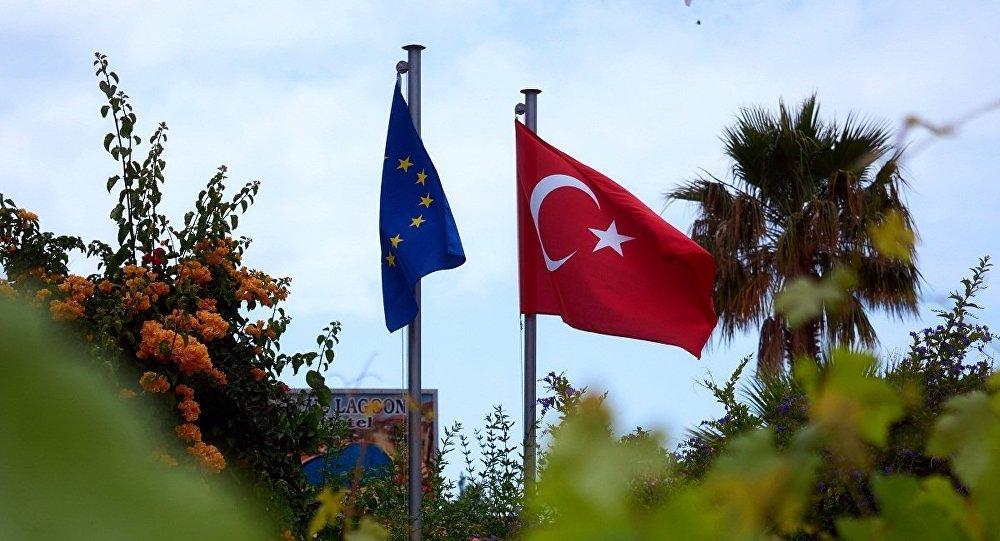 土耳其外长称欧盟开出免签条件是支持恐怖主义