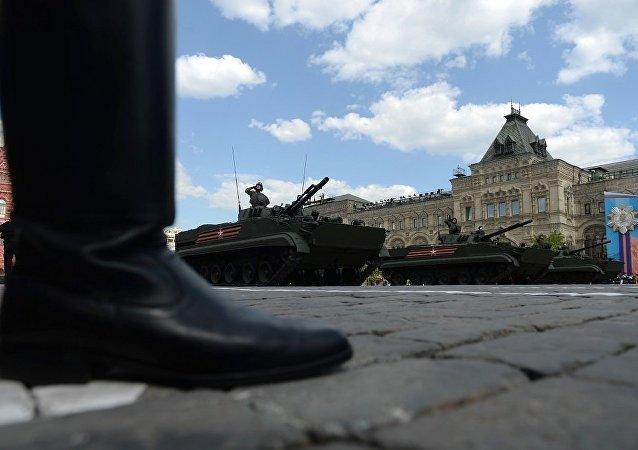 俄国防部:空降兵军人将在5月9日各个阅兵式上展示约3000件武器和技术装备