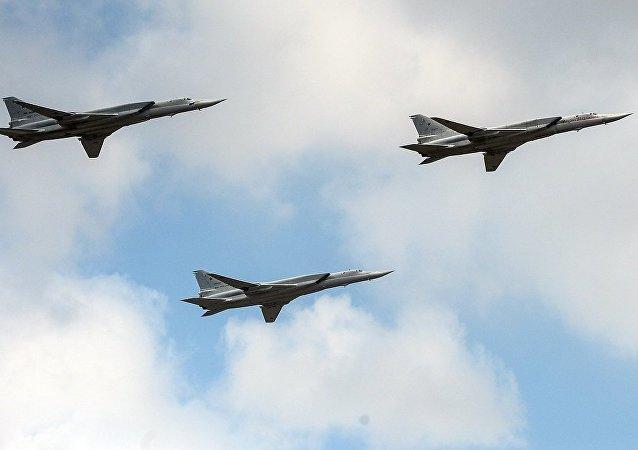 上合反恐演习期间图-22M3轰炸假想敌阵地