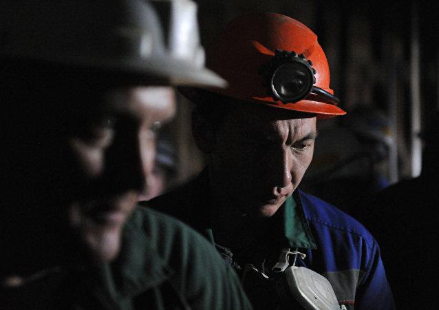 """俄金刚石开采巨头""""埃罗莎""""称中国企业有兴趣购买其股份"""