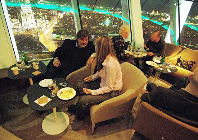 在莫斯科進行一次廉價約會需花費65美元,而在蘇黎世則需200美元