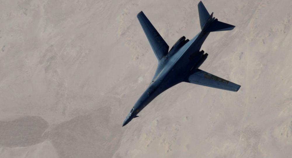 美国五角大楼发布消息称,美国和俄罗斯应当继续就叙利亚境内飞行安全问题进行对话,继续完善这一机制