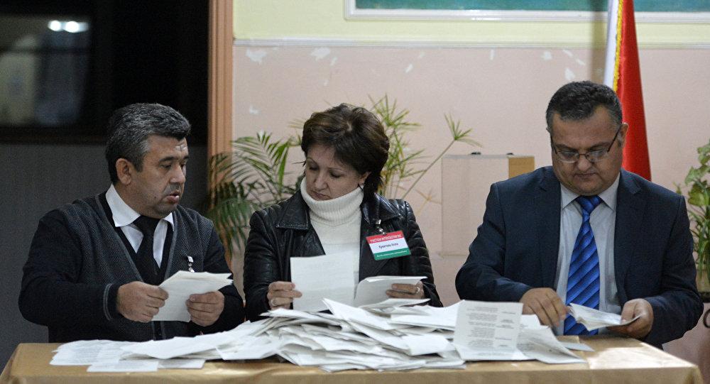 中央選舉委員會稱塔吉克斯坦全民公投有效 投票率66%