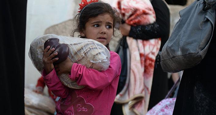 俄军向叙利亚居民人道主义援助