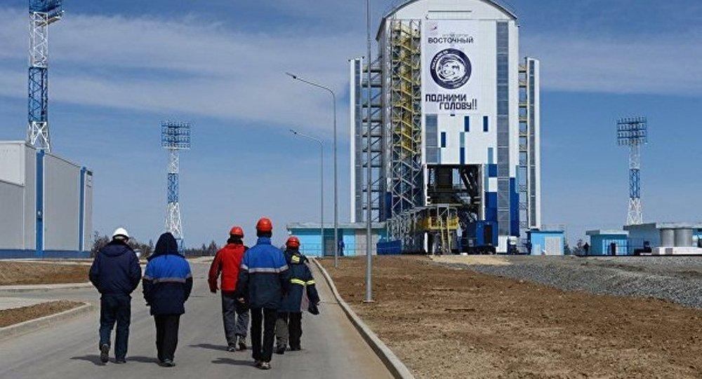消息人士:俄罗斯超重型火箭除向月球发射外还将执行其他任务