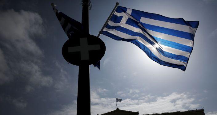 媒体:希腊驱逐两名俄外交官并禁止另外两名入境