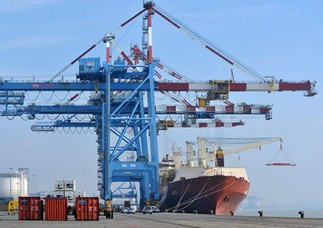 中國海關:2019年前11個月俄中兩國貿易額達到1003.1億美元 增長3.1%
