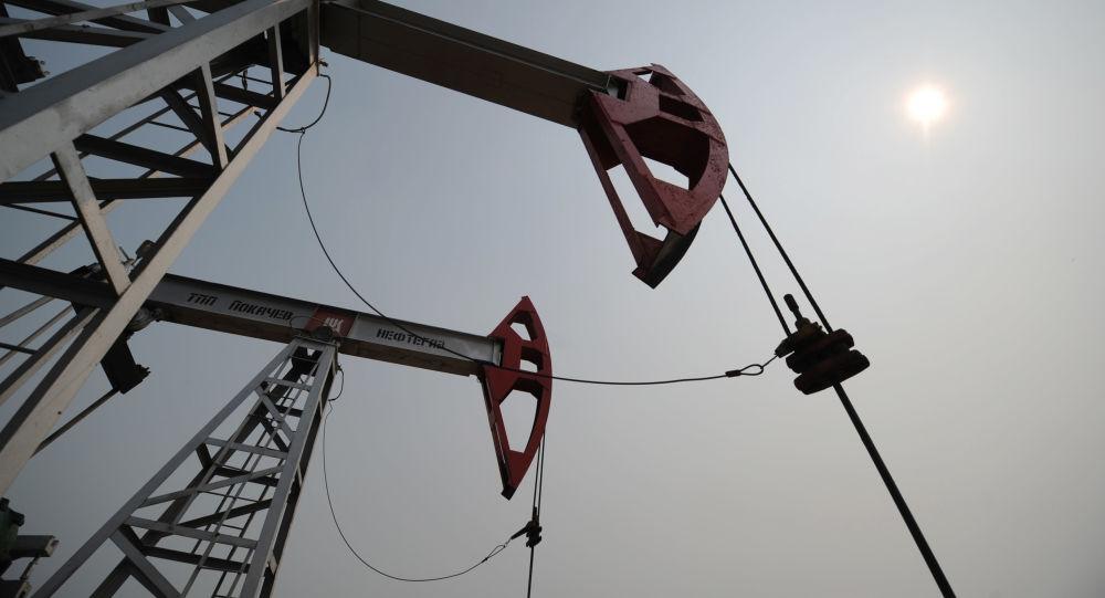 伊拉克石油部长:欧佩克和非欧佩克国家明日将评估进一步减产的可行性